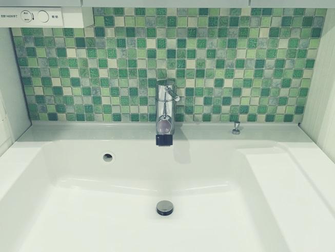 洗面化粧台 Decore(デコレ) DIYタイル モザイクタイル 目地埋め前 DIY