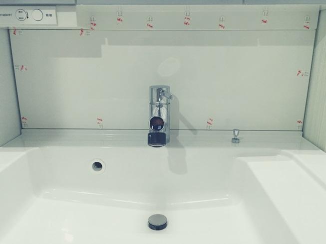 洗面化粧台 3M コマンドタブ(両面粘着テープ)貼付 モザイクタイル DIY 準備