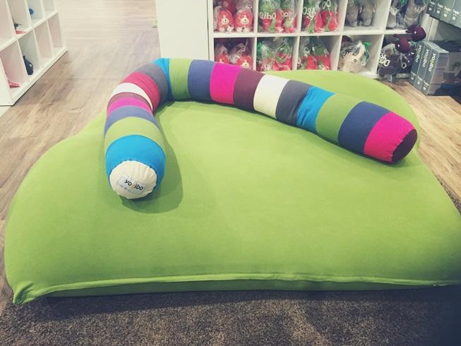 ソファー yogibo ヨギボー ビーズソファー 新居 買い替え 快適 動けなくなる 魔法 人をダメにする 変身 変形 口コミ Double Caterpillar Roll Long