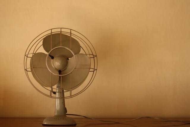 扇風機 DC AC モーター 高級 高機能 激安 安価 安い リーズナブル 快適 省エネ 静か