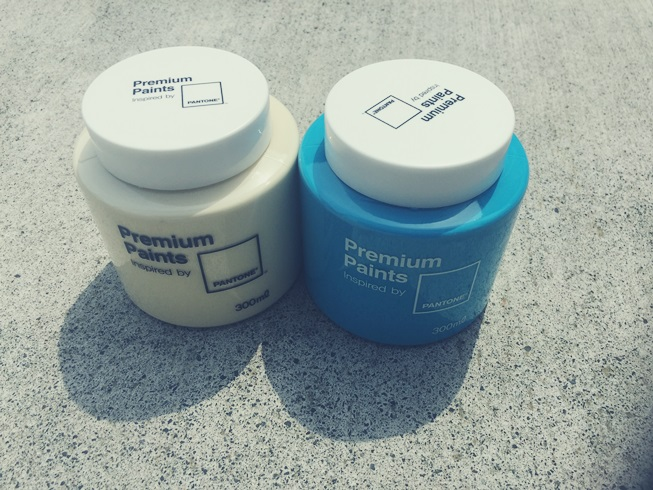 pantone-premium-paints