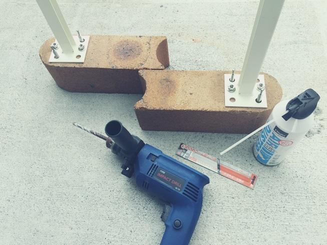 DIY 飾り ウッドフェンス 板壁 板塀 土台 基礎 レンガ アンカーボルト 支柱固定