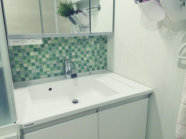 洗面化粧台 Decore(デコレ) DIYタイル モザイクタイル 貼付け タイル貼り完了 DIY