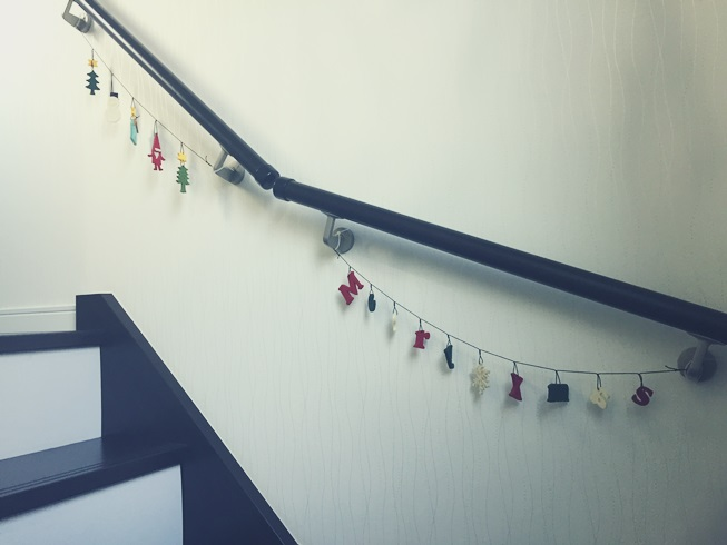 クリスマス デコレーション イエデコ ヘヤデコ ニワデコ ガーランド 階段 手摺
