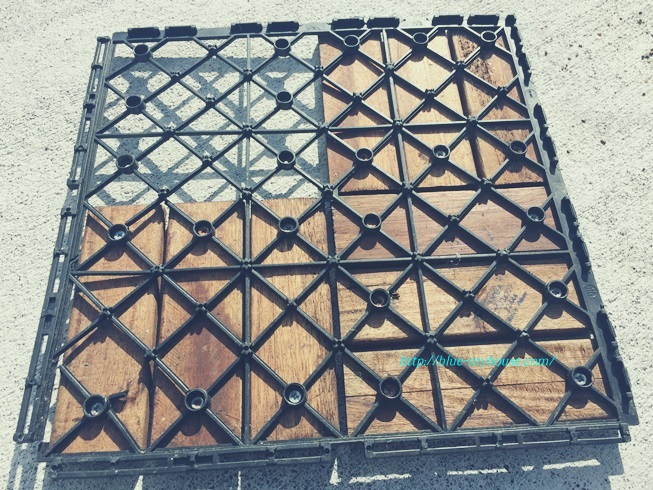 IKEA イケア RUNNEN PLATTA フロアデッキ ウッド デッキ パネル タイル フロア ベランダ ジョイント 屋外用 劣化 経年 変化 補修 きのこ キノコ 茸 劣化の様子 分解