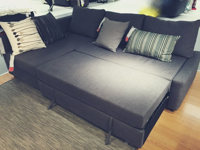 IKEA イケア ソファー FRIHETEN フリヘーテン 新居 買い替え 変形 ベッド 収納 口コミ ソファーベッド
