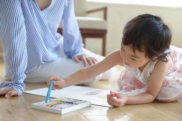 子供 娘 息子 家 部屋 絵 飾る ディスプレー 画伯 IKEA イケア FISKBO ピクチャー フォト フレーム 額縁 イメージ
