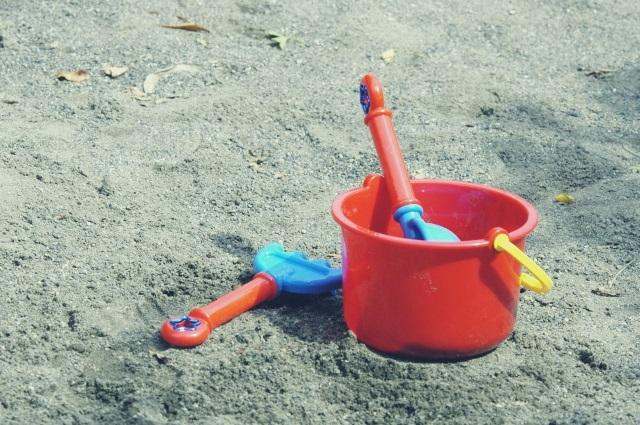DIY 傘 立て アンブレラ スタンド おもちゃ 箱 収納 外遊び 玄関 砂場 イメージ