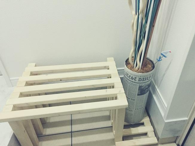 玄関 IKEA イケア デコレーション スティック ドライ ブーケ TORKA ナチュラルキッチン キャンドゥ セリア 英字新聞 ココファイバー