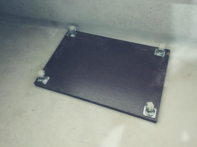 床下 点検 もぐる 台車 DIY ベタ 基礎 収納 断熱材 掃除 アリ 蟻 ゴキブリ シロアリ 浸水 侵入 経路 駆除 殺虫 防止