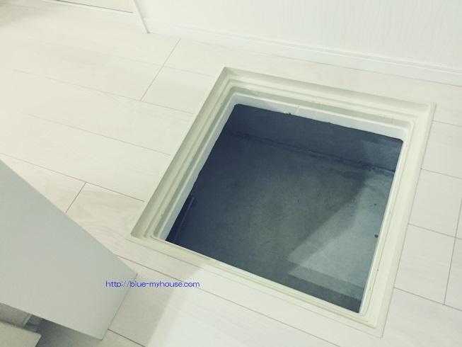 床下 収納 入口 点検 もぐる 基礎 断熱材 掃除 アリ 蟻 ゴキブリ シロアリ 浸水 侵入 経路 駆除 殺虫 防止